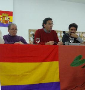 El autor, Fernando Romero, durante su intervención.