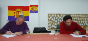 Firma de ejemplares, por Fernando Romero y Jorge Garrido.