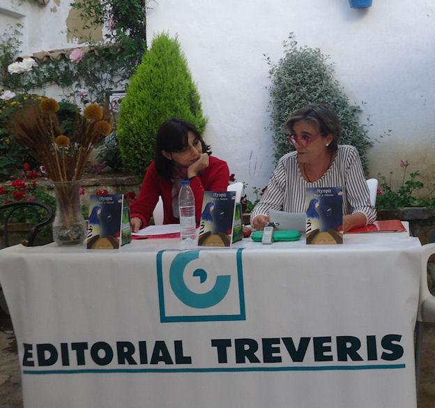Mª Carmen López presenta el libro de Natalia Viaga.