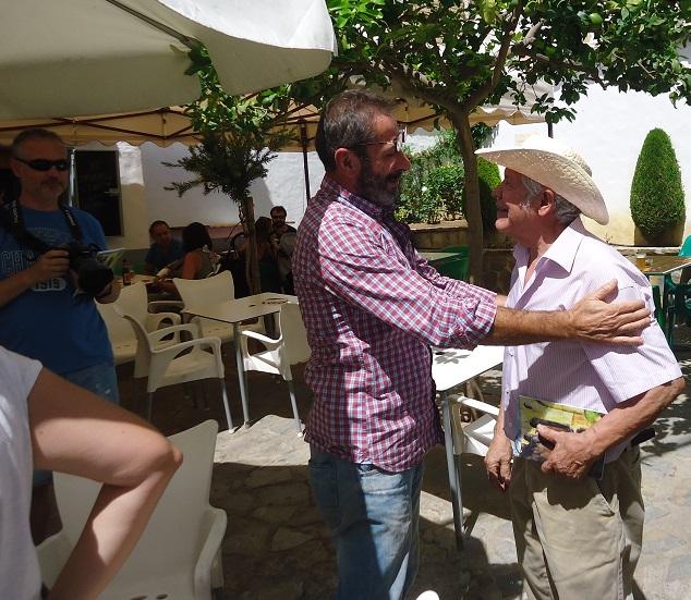 Reencuentro entre los pintores Rogelio Romero y Antonio Rodríguez Agí¼era.