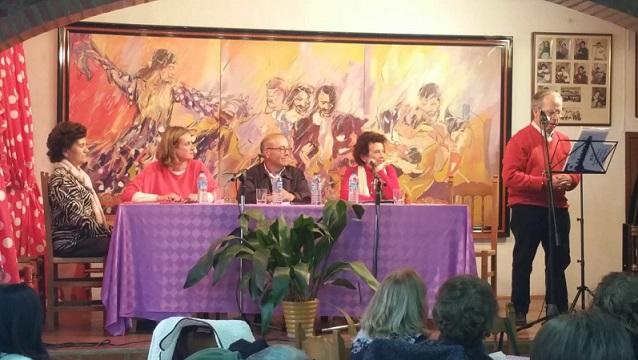 El libro Del rosa al violeta II recopila poemas del colectivo de poetisas Siempre aprendiendo