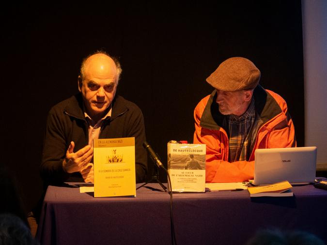 El editor, Fernando Sígler, y el traductor, Manuel Ángel Gómez.