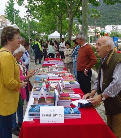 Una feria del libro de 2019 con publicaciones de Editorial Tréveris.