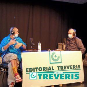 El autor del libro, Tito Toni, con el editor.